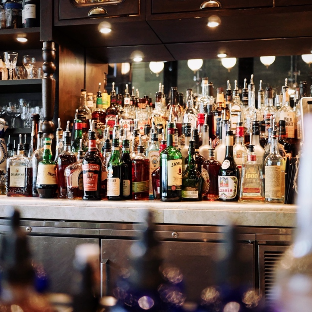 Drinks Carts versus drinks cabinets – What's your tipple?